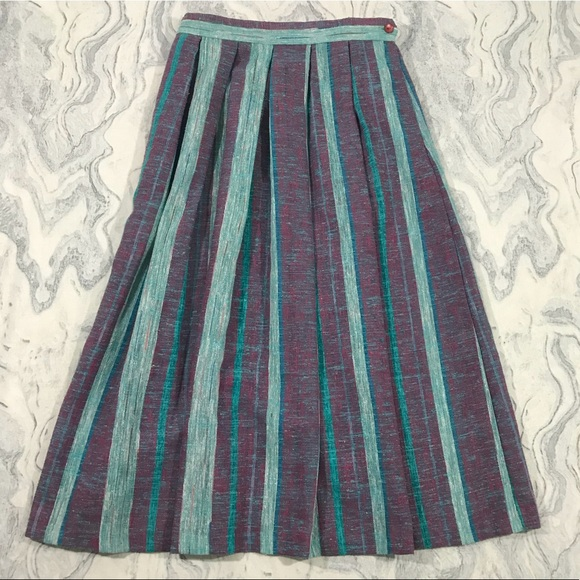 5086eefec4a Vintage Purple Blue Pleated Long Skirt Women s 14
